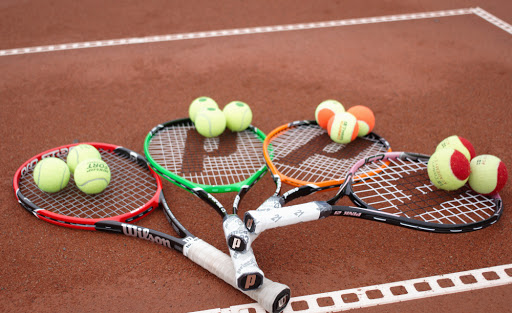Ekstra tennistimer for ungdom